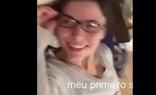 Amador da gatinha de óculos na putaria pela webcam