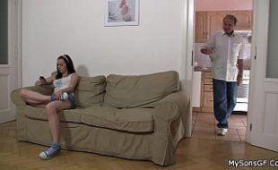 Familia incestuosa 3 fodendo a enteada