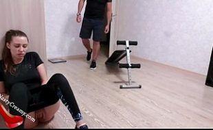 Bunduda gostosa fodendo com seu treinador caseiro