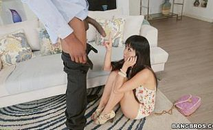 Japonesa gostosa se impressiona com pau de negro
