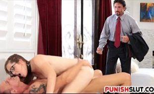 Nudevista filha novinha fodendo com pai e tio
