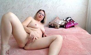 Video solo de coroa se masturbando