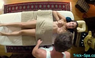 Beldade sexy linda gostosa transando na massagem