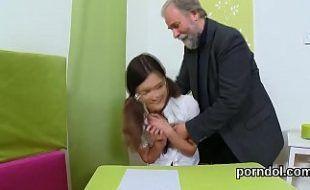 Papai Bolinando Sua Linda Filha Querida