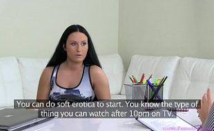 Vídeo de morena com a loira lésbicas em amorzinho tesudo