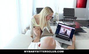 Videos de flagras quentes enteada metendo com padrasto e mãe