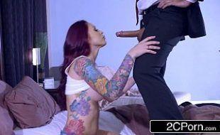 Morena linda fodendo com seu namorado no sonho ate que ele aparece na vida real ruiva gostosa